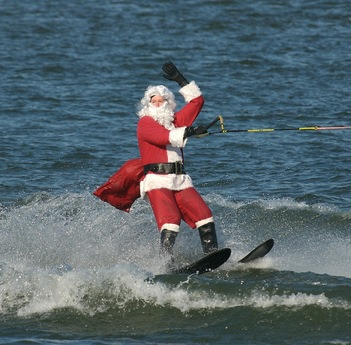 2011-12-09-WATERSKIINGSANTA.jpg