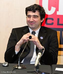 2011-12-13-Kramnikpress.jpg