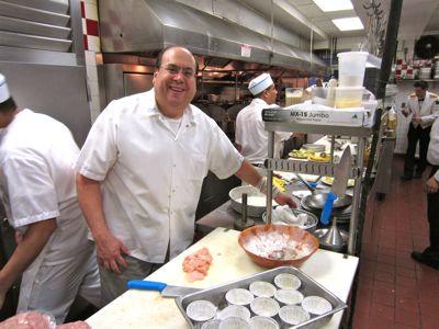 2011-12-13-chefsalkitch1.jpg