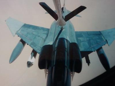 2011-12-15-images-refuelingoverIraq400pix.jpg