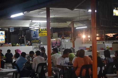 2011-12-19-MutieraSeleraHawkerCenterinTanjungBungah.JPG