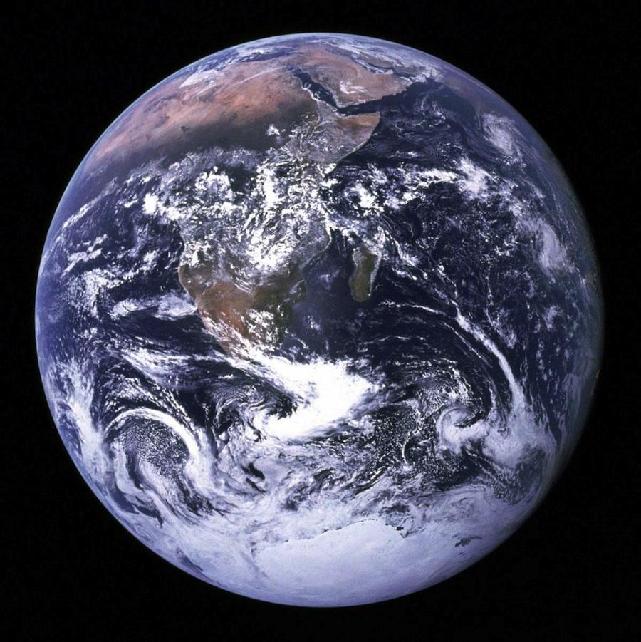 2011-12-22-earthNASAh.jpg