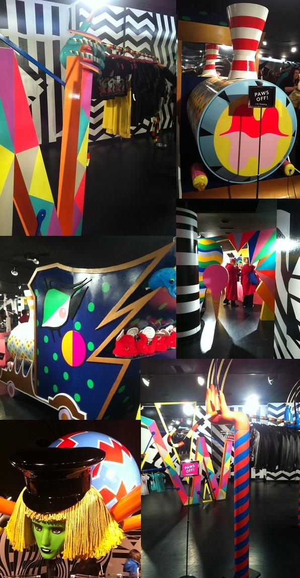 2011-12-28-5_Gagas_Workshop_Barneys_charity_holiday_store_new_york.JPG