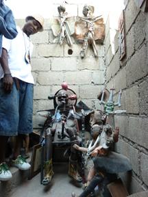 2011-12-29-GrandRuesculpture.jpg