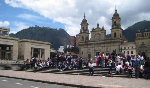 2012-01-17-colombia_plazabogota.jpg