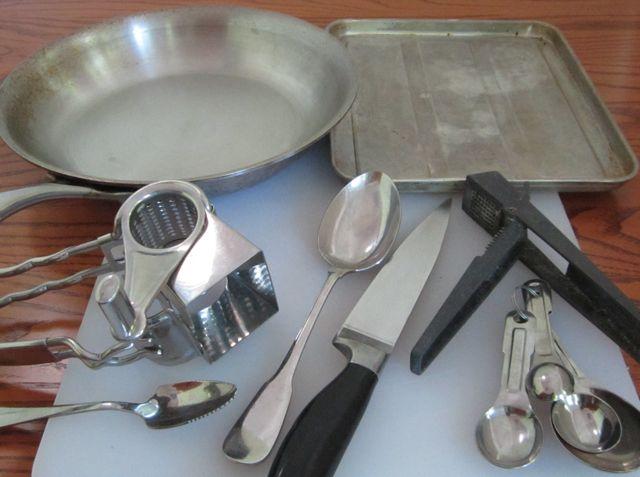 2012-01-17-stuffedmushroomsequipment.jpg