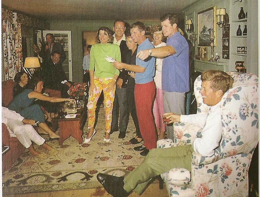 The Kennedy Compound With Rare Photos Inside the Rooms ...