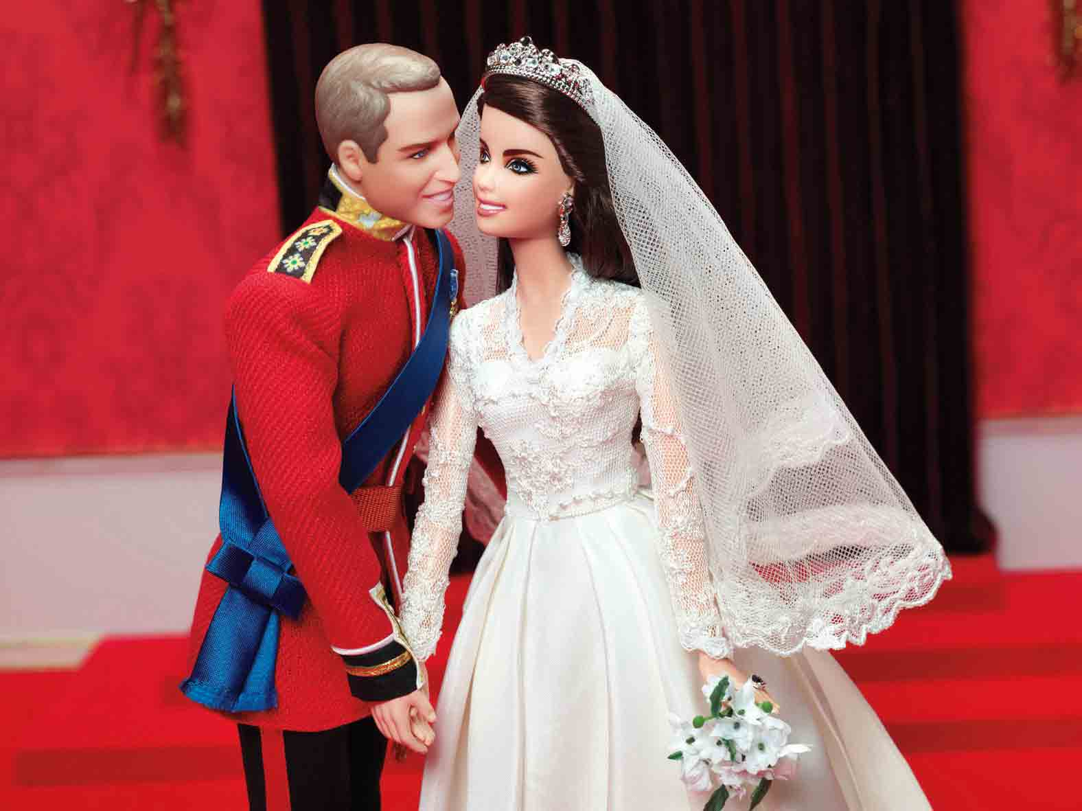 Barbie wedding kissing dress up games