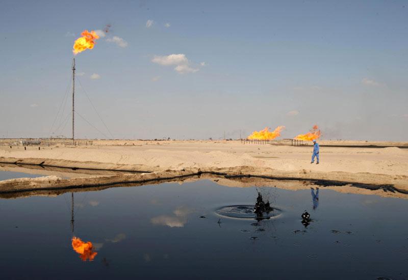 2012-02-16-iraqioilfield.jpg