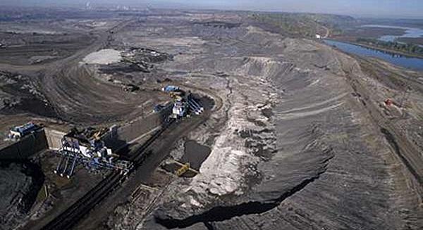 2012-02-20-tarsandsalbertagreenpeace.jpg