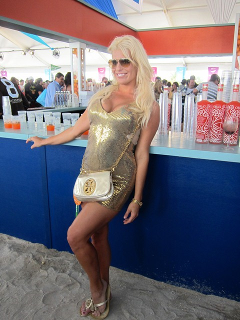 2012-02-27-AlyssaEdwardshinesattheGrandTastingVillageintrueMiamiBeachfashion.JPG