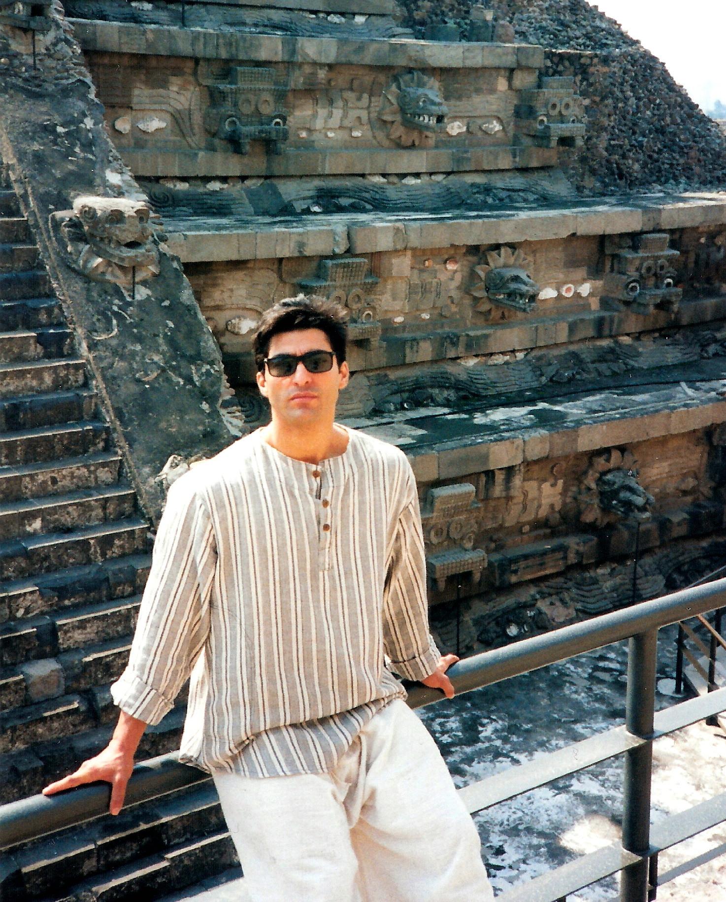 2012-02-29-Mayan_Pyramids_1editsmalla.jpg