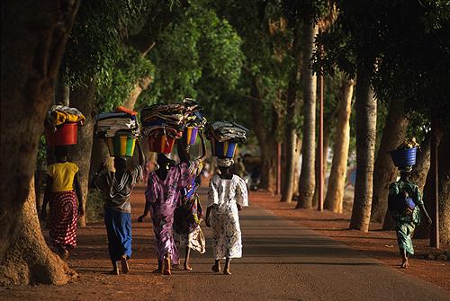 2012-03-20-MujeresMopti500pxLowRes.jpg