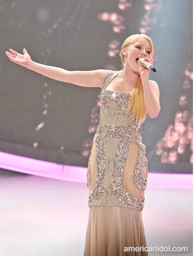 2012-03-21-HollieCavanagh-Hollie_Cavanagh_American_Idol_fashion_03.14.12.png