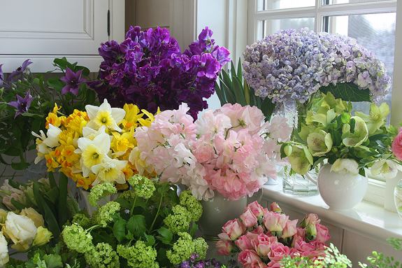2012-03-22-kitchenflowers.jpg