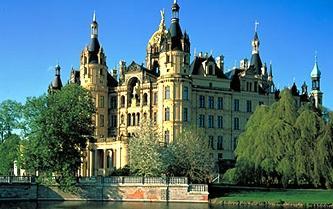 2012-03-31-CastleSchwerin.jpg