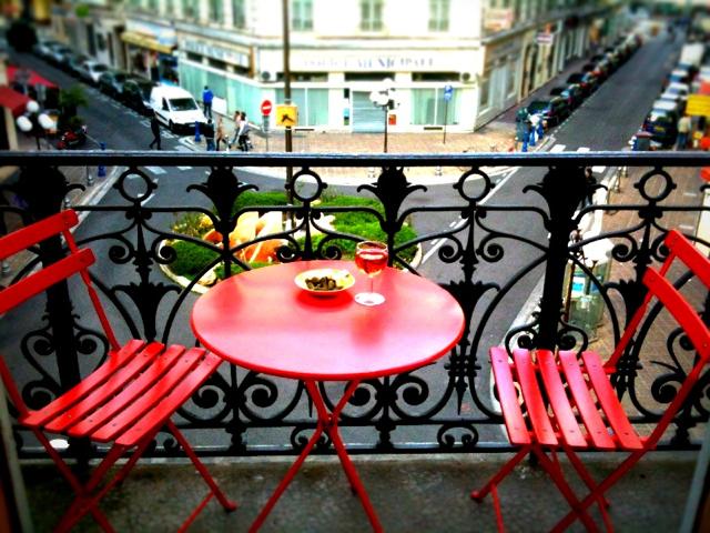 2012-04-07-images-balconysmall.jpg