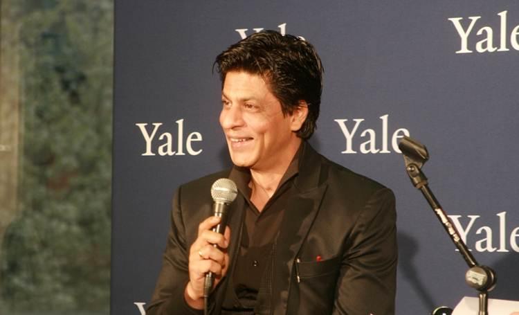 2012-04-13-Shah_Rukh_Khan_Yale_D.jpg