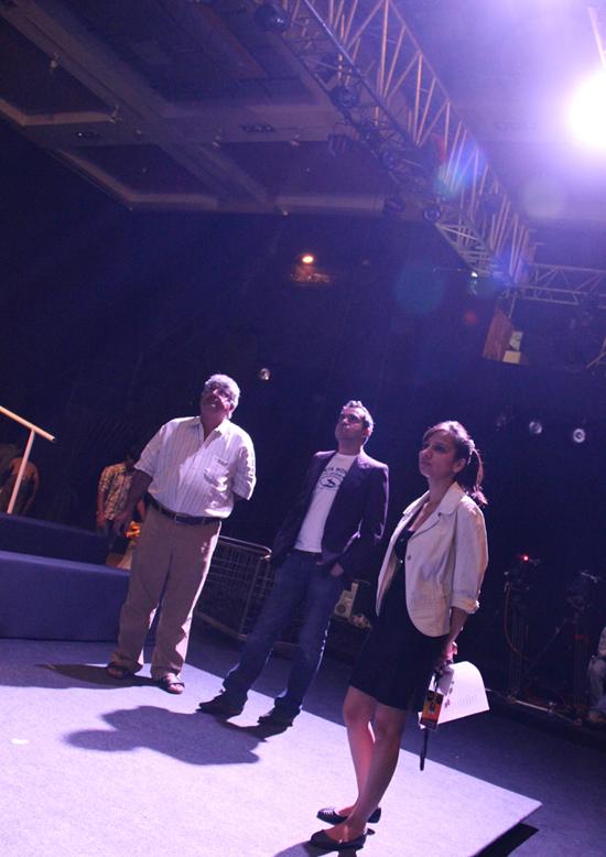 2012-04-16-BIBHUlightingforshow.jpg
