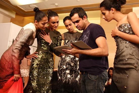 2012-04-16-BIBHUshowsmodelsvideoofhisshowatfitting.jpg