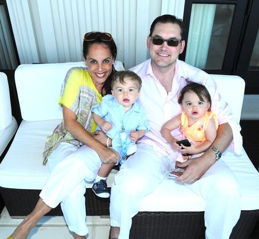 2012-04-17-LesleyAbravanelwithhusbandMagnusAnderssonandchildrenAaronNoahandSydneyLoren.JPG
