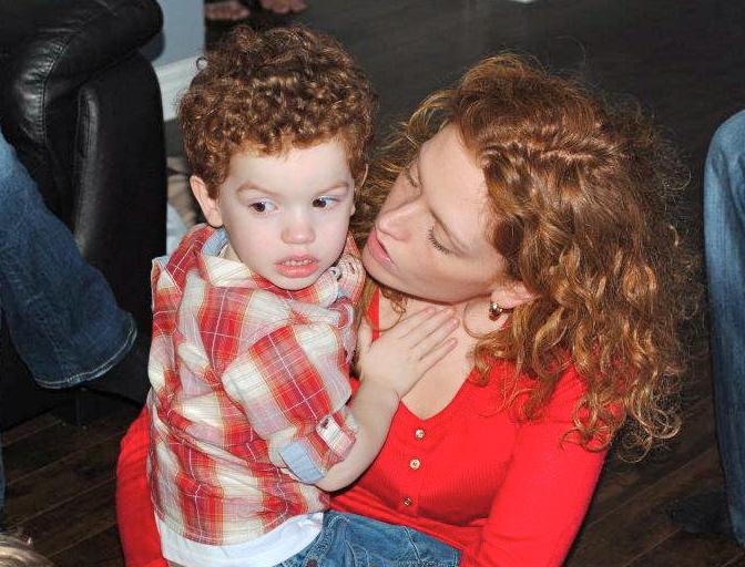 2012-04-21-Mommyhelpinghimplaybyrules.jpg