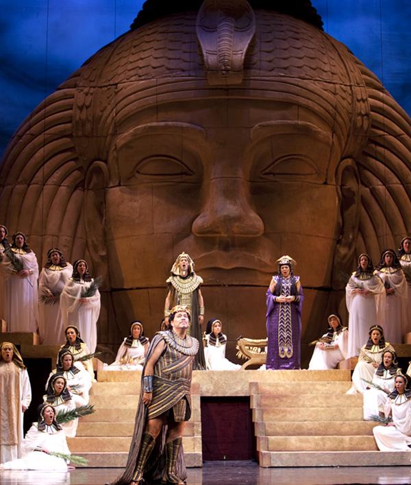 2012-04-27-Aida.jpg