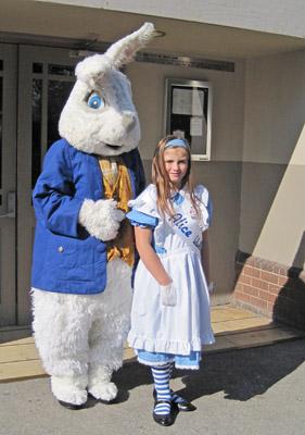 2012-04-30-cmrubinworldNicol_and_rabbit400.jpg
