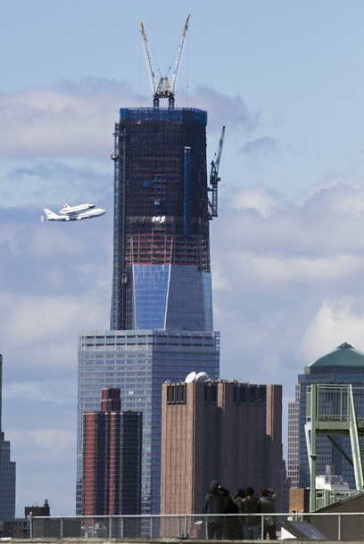 2012-04-30-spaceshuttlefreedomtower.jpg
