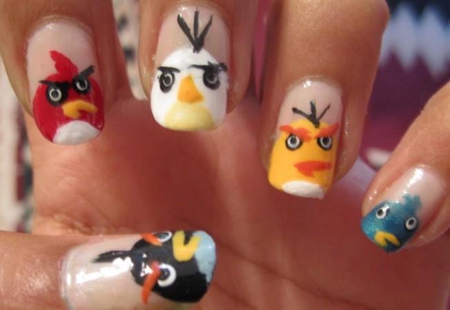 2012-05-01-angrybirdsnailart.jpg