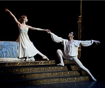 2012-05-09-BalletOperanationalParisSashaWaltzromeoJuliette.jpg