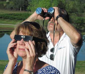 2012-05-21-eclipse_watchers.jpg
