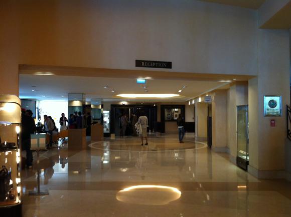 2012-05-25-hallhotel.jpg