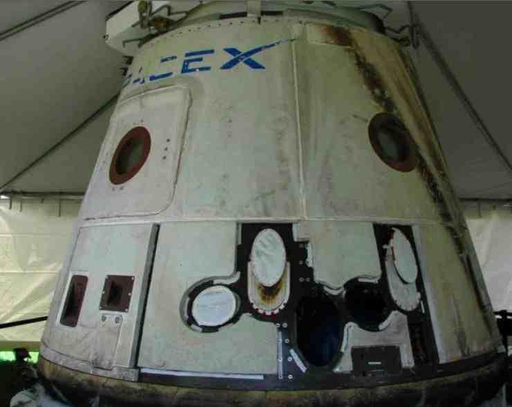 2012-05-26-DragonCapsuleSpaceX.jpg