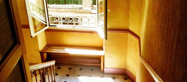 2012-05-29-images-hallwaysmall1.jpg