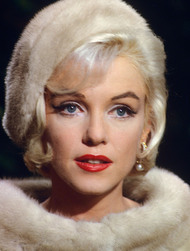 Fabulous How Did Marilyn Monroe Go From Slightly Hooded Eyes To Non Home Interior And Landscaping Ologienasavecom