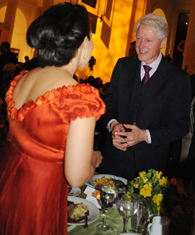 2012-06-12-MonicaYunusandPresidentBillClintonthumb.jpg