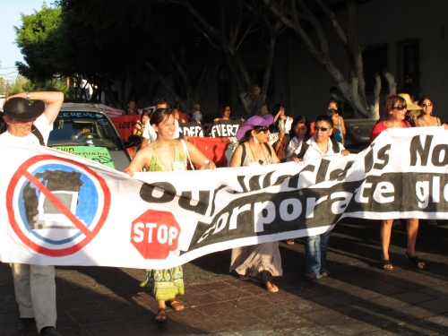 2012-06-18-LaPazDemonstration2.jpg