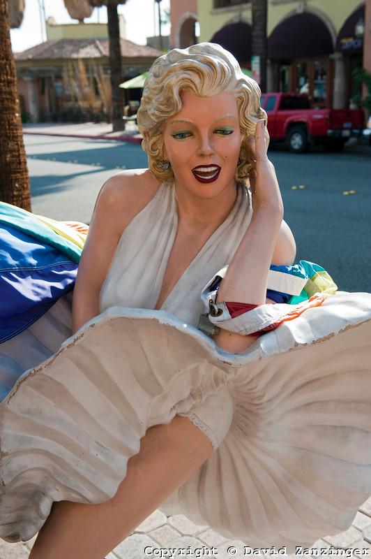 2012-06-26-Marilynstatue.jpg