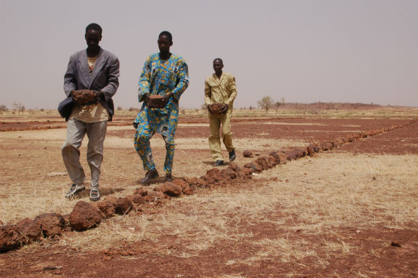 2012-06-29-StonebundinginBurkinaFaso.jpg