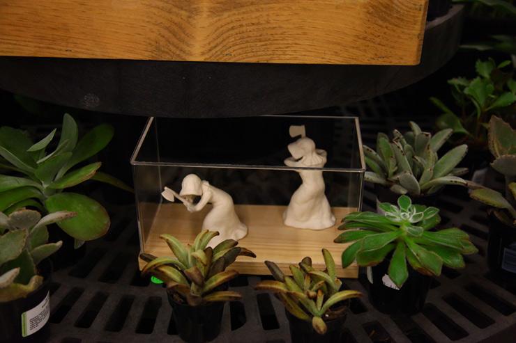 2012-07-02-brooklynstreetartrachelfarmerjaimerojocresthardwareartshow2012web.jpg