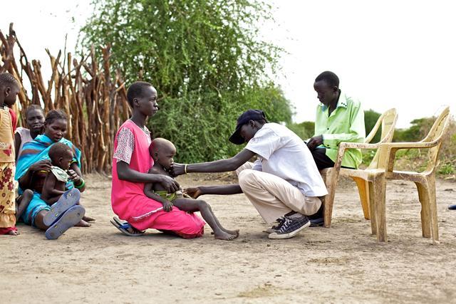 2012-07-09-120614_SouthSudanPreview_WRHealthWorker.jpg