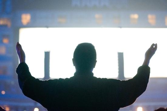2012-07-12-worshippraise2.jpg