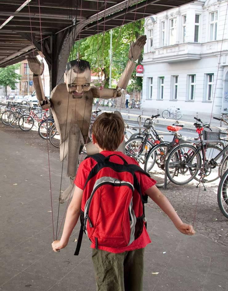2012-07-18-brooklynstreetartvariousandgould_marionetteluckycat0712web9.jpg