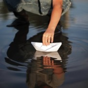 2012-07-18-gallery_paperboats1.jpg