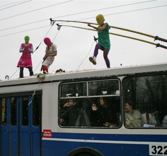 2012-07-19-PussyRiotontopofbus.jpg