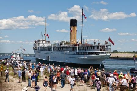 2012-07-20-TheboatPaulCasselman.jpg