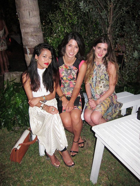 2012-07-25-BloggersOliviaLopezKrystalBickandLauraEllneratSohoBeachHouse.JPG