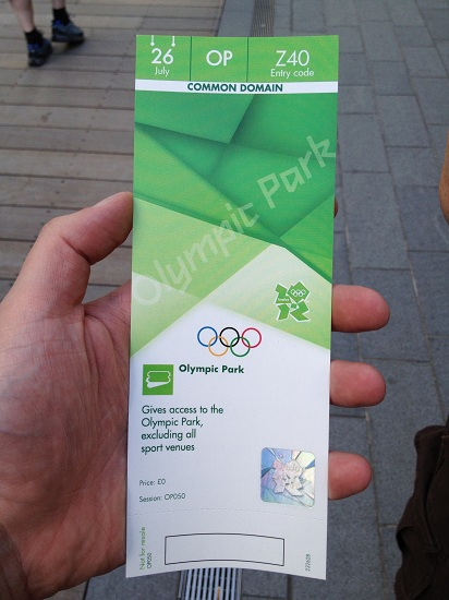 2012-07-30-CDWatthe2012LondonOlympicPark2.JPG