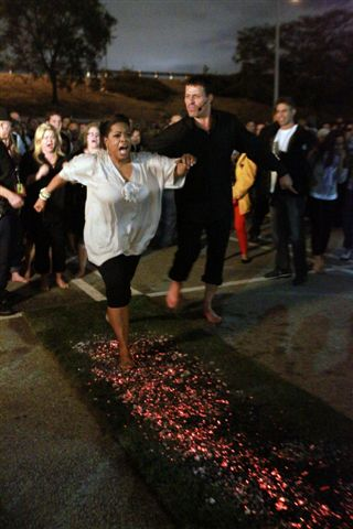 Tony Robbins Sets The Record Straight About Fire Walk Controversy Huffpost